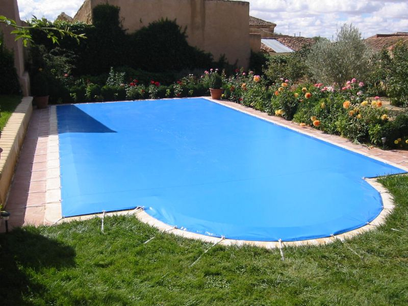 Cobertor piscina invierno for Toldos para piscinas